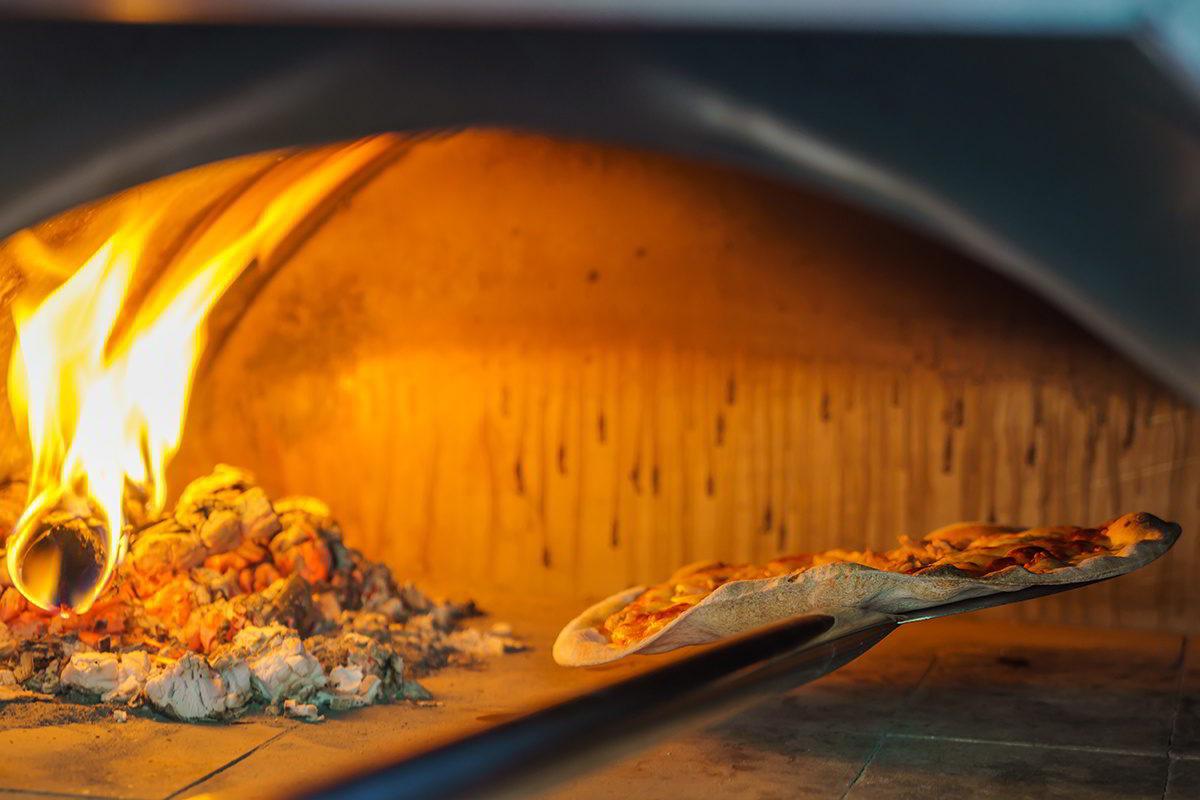 arredamento pizzeria rosticceria